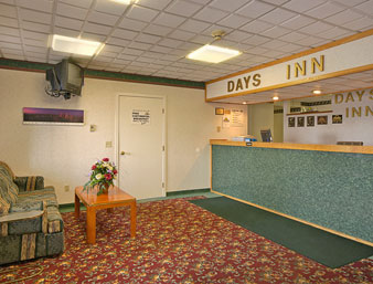 Days Inn - Cranston Warwick